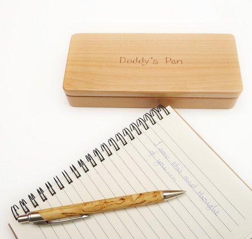 Bút gỗ bán ở đâu tp hcm? Chúng tôi chuyên cung cấp sản phẩm hộp bút gỗ khắc chữ, tên giá rẻ ở Sài Gòn