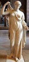 """Venus genetrix, statua greca attribuita allo scultore Callimaco e datata alla fine del V secolo a.C., nota da numerose copie o rielaborazioni della scultura romana. Il tipo scultoreo è citato anche come """"Venere Genitrice"""". L'originale poteva essere in bronzo secondo alcuni studiosi o in marmo secondo altri"""