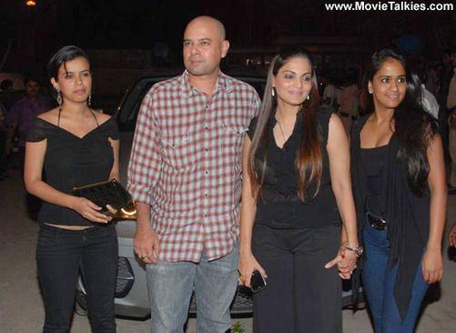 Khan family: Alvira Khan with husband Atul Agnihotri and Arpita Khan | itimes
