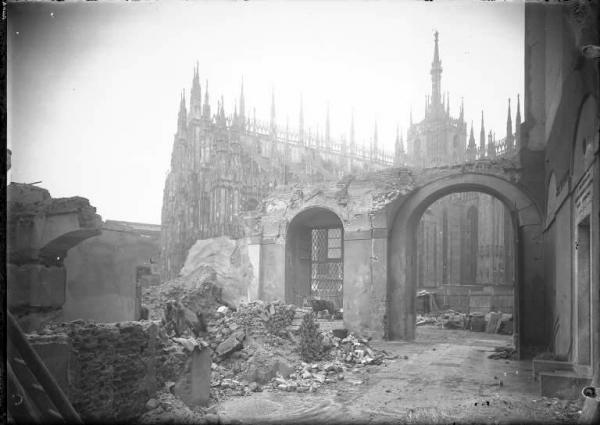Demolizione della Manica Longa a Palazzo Reale