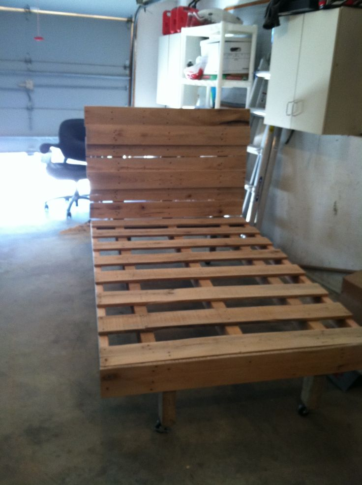 twin size pallet bed pallets pinterest a well