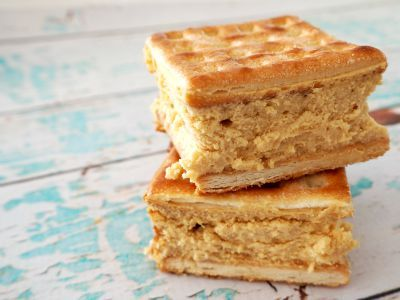 I came across the idea for this baked Caramel Lattice Cheesecake Slice recipe from one I spotted on Donna Hay's website and decided to modify it based on the ingredients and equipment I already had.