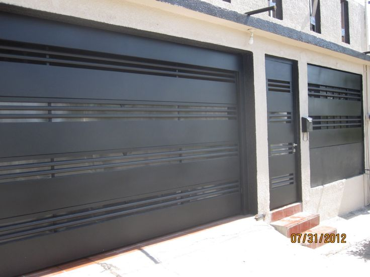 17 mejores ideas sobre dise os de puertas metalicas en - Portones de madera para exterior ...
