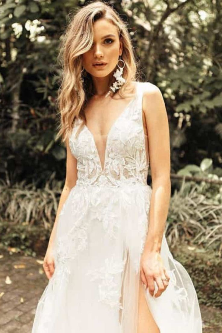 Blush Raven Shop Local Canada Used Wedding Dresses Modest Wedding Dresses Bridal Gowns [ 1104 x 736 Pixel ]