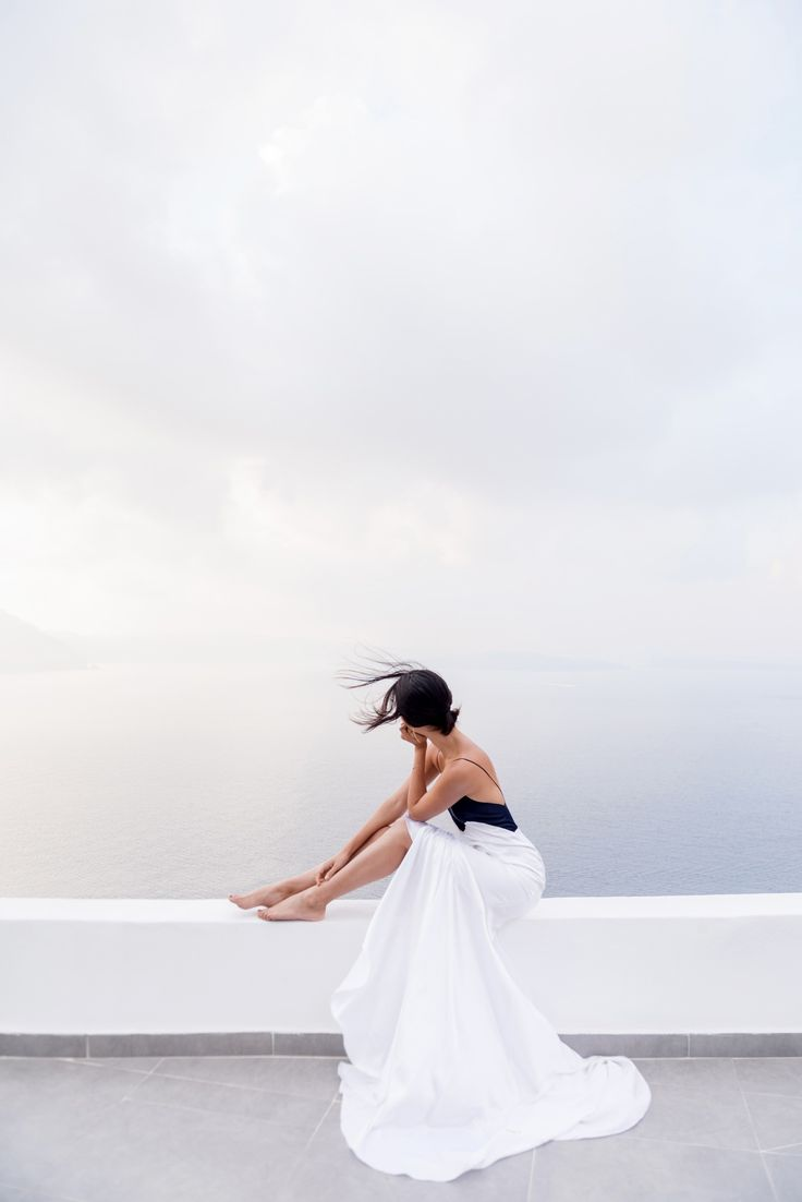 Flowy white dress. Via Gary Pepper Girl. White maxi dress, white maxi dress outfit, summer outfit, beach outfit, warm weather outfit.