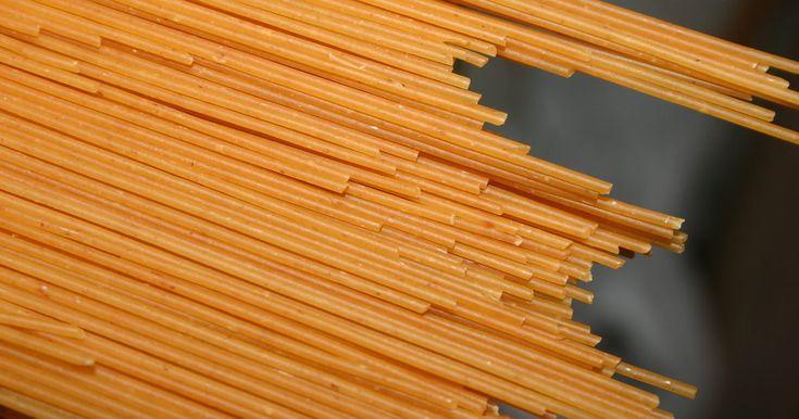 Cómo cocinar pasta en una olla arrocera | eHow en Español