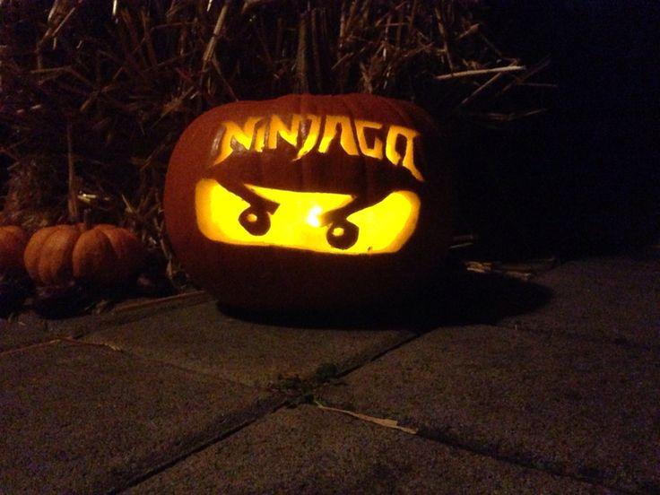 Kürbis schnitzen Halloween 2015 - LEGO Ninjago.  Pumpkin carving Halloween 2015 - LEGO Ninjago