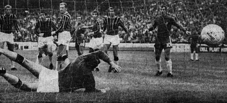 Chelsea 1 Crystal Palace 1 in Aug 1969 at Stamford Bridge. Chelsea score but the referee disallowed it #Div1