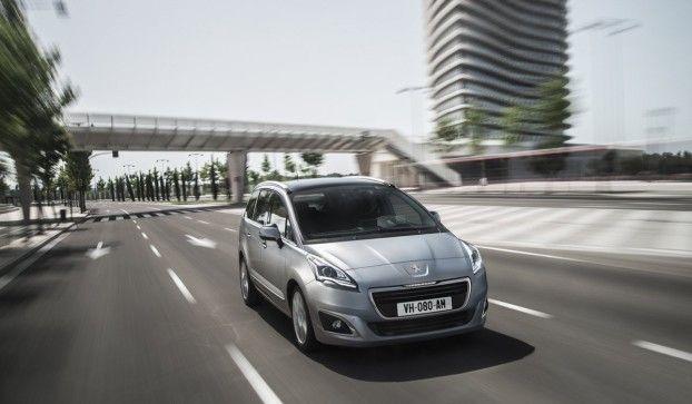 Peugeot 5008 monovolume compatto: nuovo restyling per l'auto che accontenta tutti