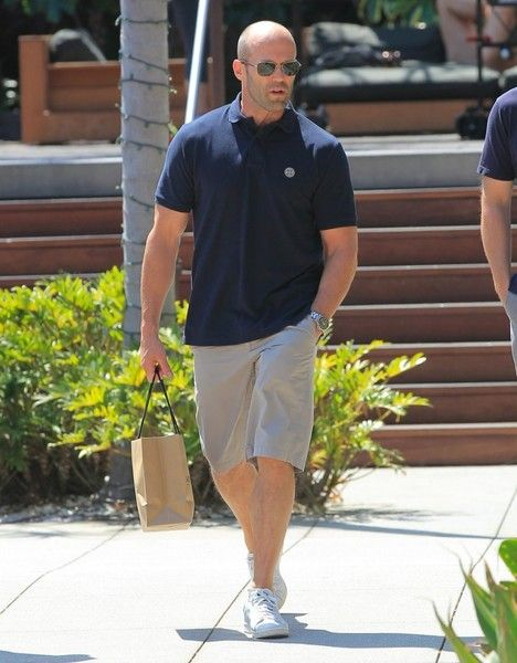 Jason Statham Photos Photos - 'The Transporter' actor Jason Statham does some…