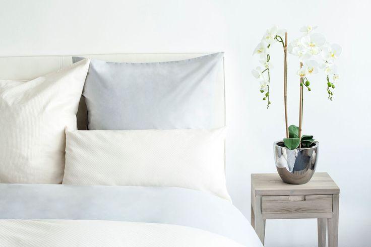 17 beste idee n over blauw witte slaapkamers op pinterest marineblauwe slaapkamers wit - Witte kamer en fushia ...