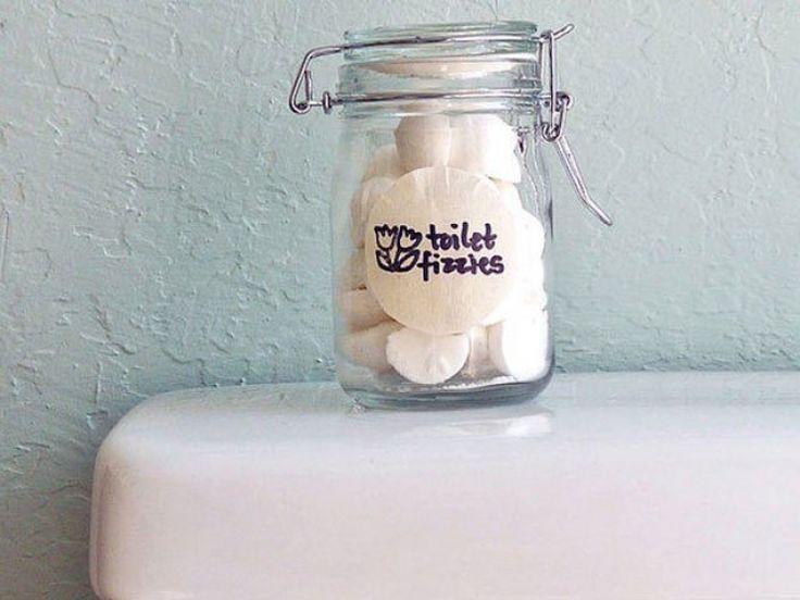 Une astuce brillante pour des toilettes toujours propres et fraiches. Il suffisait d'y penser ! Le nettoyage des WC n'est jamais une partie de plaisir, mais il s'agit d'une mesure d'hygiène nécessaire. Pour le faire de manière économique et facile, voici une recette de grand-mère. La plupart des produits utilisés pour le nettoyage des toilettes sont … Continuer la lecture de Une astuce brillante pour des toilettes toujours propres et fraiches. Il suffisait d'y penser ! →