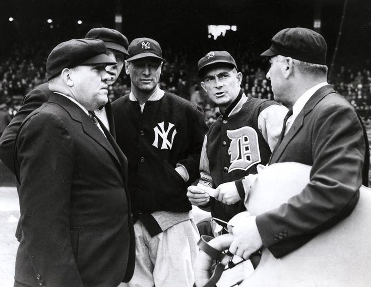 1939 at Briggs Stadium, Lou Gehrig delivers the first Yankees lineup card without his name on it since 1925