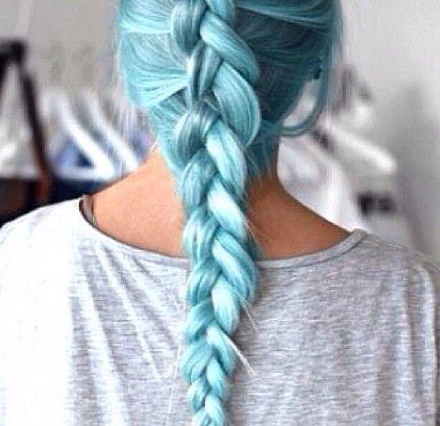 I WANT BLUE HAIR SO BAD!!!!!!