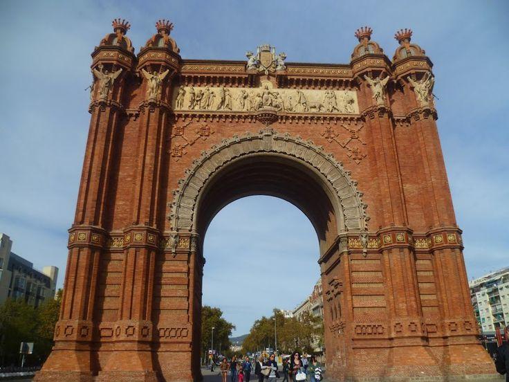 Publicamos  el Arco del Triunfo en Barcelona.  #historia #turismo  http://www.rutasconhistoria.es/loc/arco-de-triunfo-de-barcelona