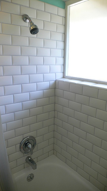White Subway Tiles With Grey Grout