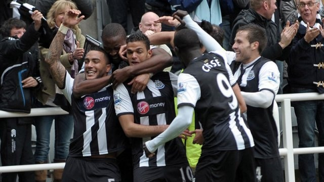 Hatem Ben Arfa and his spectacular goal! click to read the news.