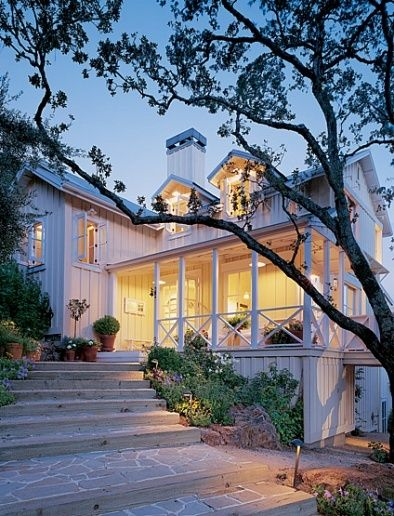 in love with this house...especially the porch and walkway