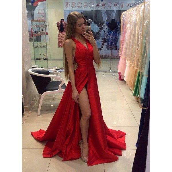 Sexy Halter Red V-neck Long Prom Dress with Side Slit (355 BRL) ❤ liked on Polyvore featuring dresses, pictures, halter tops, v neck prom dress, halter dress, sexy prom dresses and long red dress