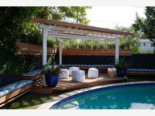 Lounge-Worthy Poolside Patios - Home and Garden Design Idea's