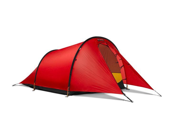Hilleberg Anjan er perfekt til bruk under varmere forhold og når lav vekt prioriteres. Dette er superlett telt som passer best når snøen har forsvunnet og i mer skjermet terreng. Til tross for den lave vekten har Hilleberg klart å lage et veldig robus...