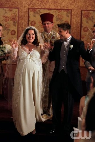 """""""The Unblairable Lightness of Being"""" Pictured: Zuzanna Szadkowski as Dorota, Aaron Schwartz as Vanya Photo Credit: Giovanni Rufino / The CW © 2010 The CW Network, LLC. All Rights Reserved."""