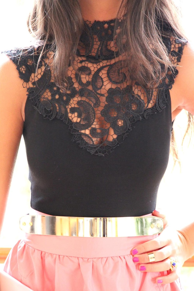 pretty black lace top with pink skirt and gold belt!