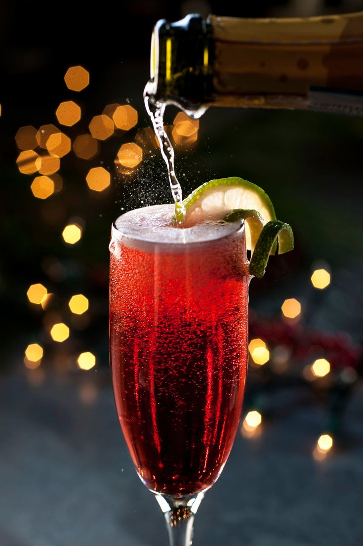 Christmas Spritz  3 oz well-chilled prosecco 3 oz well-chilled pure pomegranate juice Lime twist, for garnish  Pour the juice and prosecco into a champagne flute and garnish with lime. Simple, tasty and oh so festive!