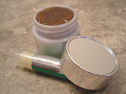 home made lip scrub for winter chapped lips. i made this and it was yummy