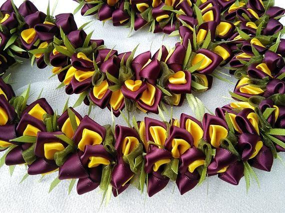 Raisins Hawaiian ribbon lei