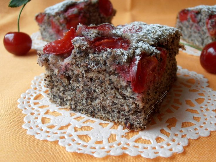 Nagyon finom mákos- meggyes sütemény! Mikor beleharapsz olyan, mintha mákos gubát ennél meggyel. :) Tökéletes! Mákrajongóknak kötelező...
