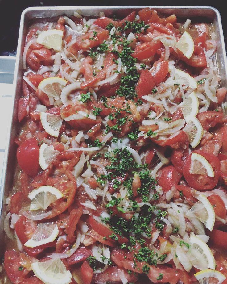 キャンプで作った料理 トマトのレモンマリネ バルサミコ酢しおこしょうオリーブオイルで味付けしてます  #camp #marinade #tomato