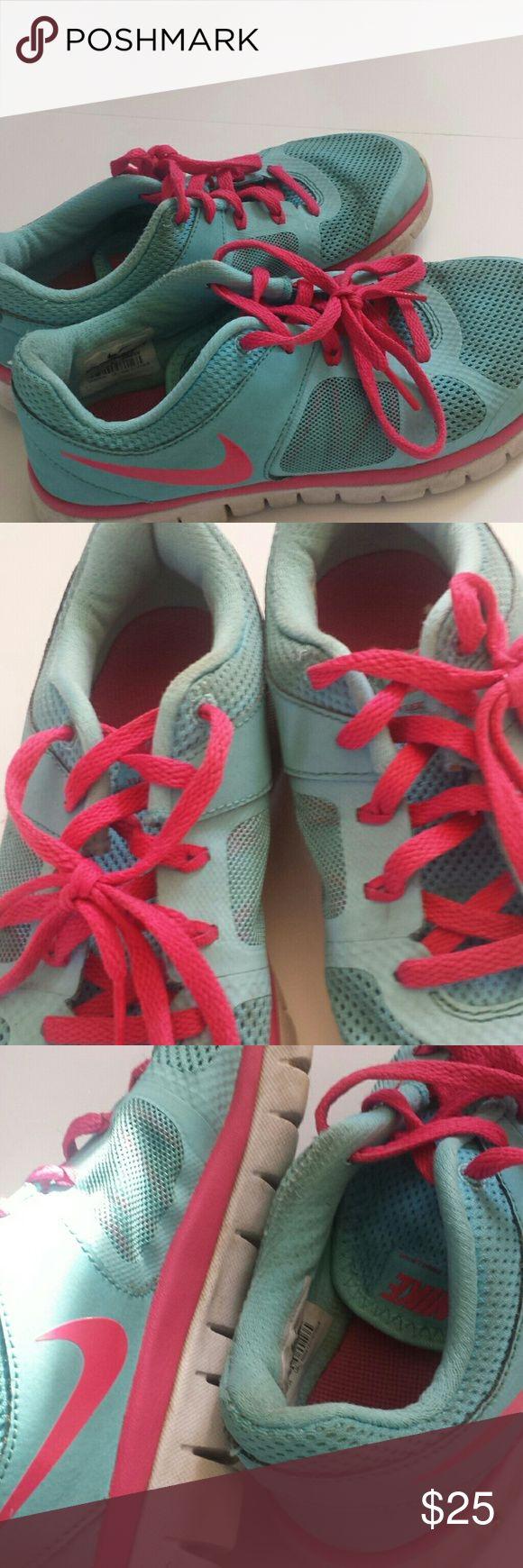 Tiffany blue nike flex run Size youth 4.5 = women's 6.5 worn but still has life Nike Shoes Sneakers