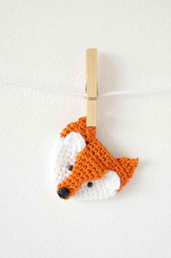 fox badge crochet pattern applique animal pattern brooch woodland amigurumi tutorial crochet jewellery