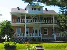 Mansonville et Canton de Potton (Eastern Townships), Quebec, Canada- a little big 16 rooms