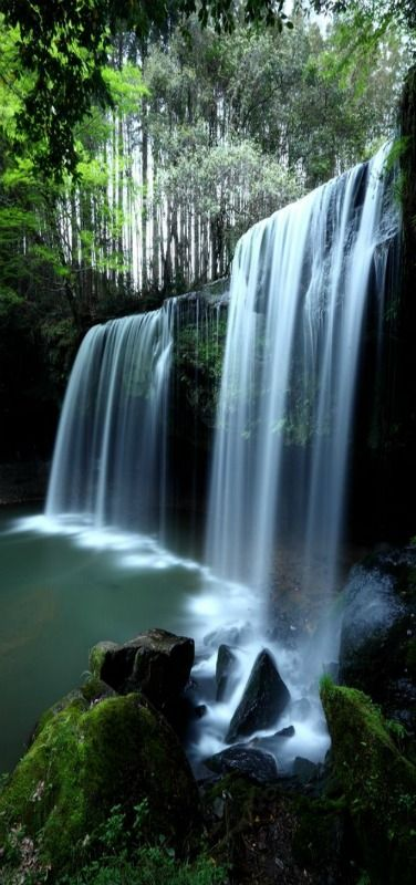 Soothing Waterfalls, Nabegataki-Falls in Kumamoto, Japan by Ken Shimo