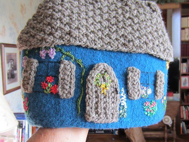 Ravelry: barbbknits' Cottage Tea Cozy