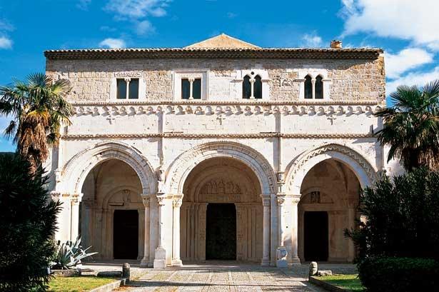 Castiglione a Casauria: Abbazia di San Clemente