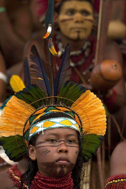 Índio brasileiro, participando dos jogos indígenas do Brasil