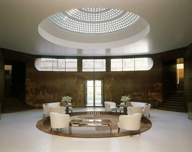 Eltham Palace, The Entrance Hall. This is so intriguing. A stately home with an Art Deco interior. History and art together, it looks beautiful and simple.
