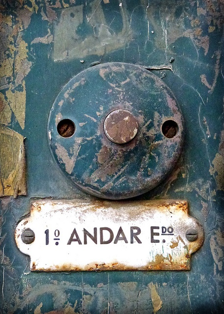 love this doorbell from Lisbon, over a 100 years old