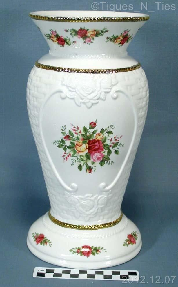 Large 14 Quot Royal Albert Old Country Roses Basketweave Cameo