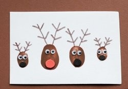 Make Rudolph and the whole reindeer gang using just your thumbs!  Great #Christmas #craft for kids...