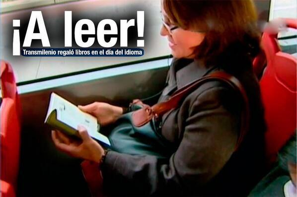 En el Día del Idioma, TransMilenio regala 8.000 libros a usuarios   Los pasajeros podrán hallarlos en sus puestos al abordar los articulados. http://www.noticiascaracol.com/nacion/video-321864-el-dia-del-idioma-transmilenio-regala-8000-libros-a-usuarios