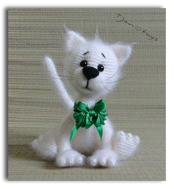 Blanco gato OOAK rellenos animales de ganchillo hecho a por Tjan
