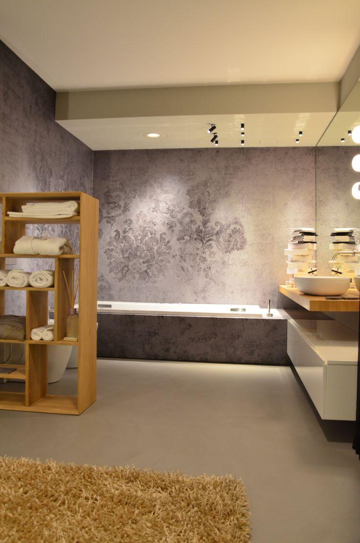 interior design arredo bagno con vasca idromassaggio e illuminazione ...