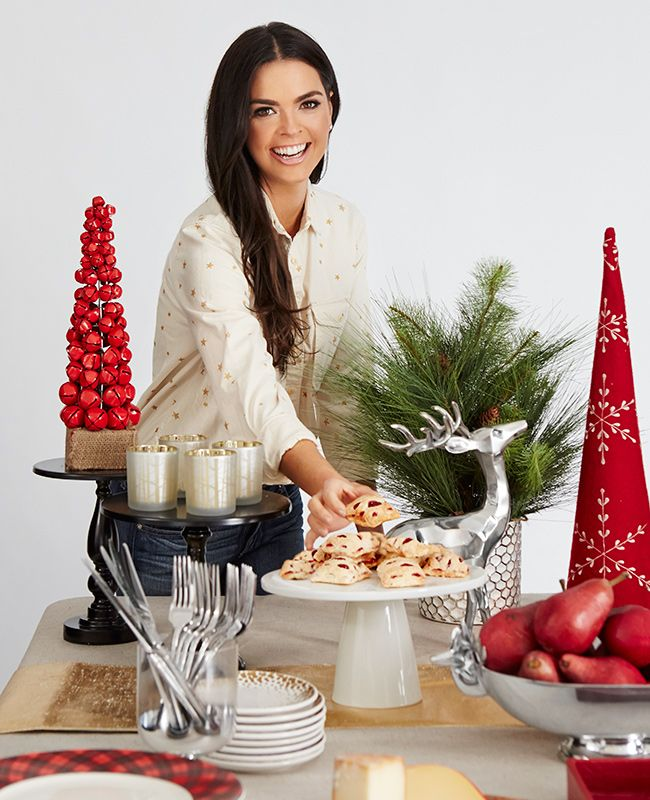 Food Network star, Katie Lee, is a fan of hosting #holiday brunches, so we got her tips for making it delicious and easy as #pie.