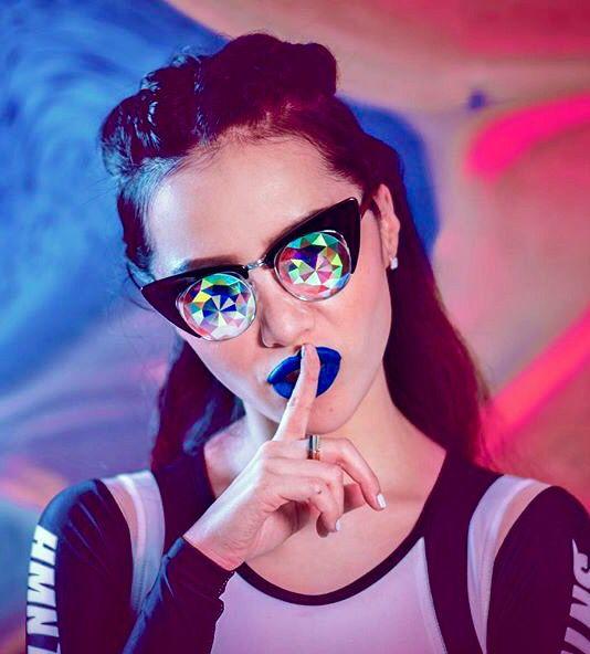 Michelle Phan for h0les eyewear
