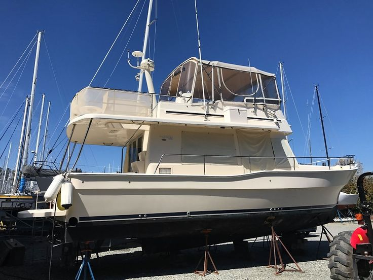 40' Mainship 2004 'Belinda B'  $5,000 price reduction June 2017. COME SEE THIS BOAT BEFORE IT IS SOLD! GREAT VALUE!