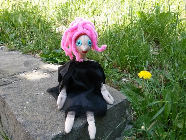 A Boszorkány is csak nő! Jön a tavasz, szép akar lenni (DIY haj - zsenília drótos)
